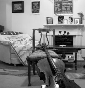 Виолончель Юрия Лоевского. Фото - Кирилл Кузьмин
